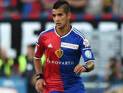 Derlis González en un partido con el Basilea. (Foto: Getty)