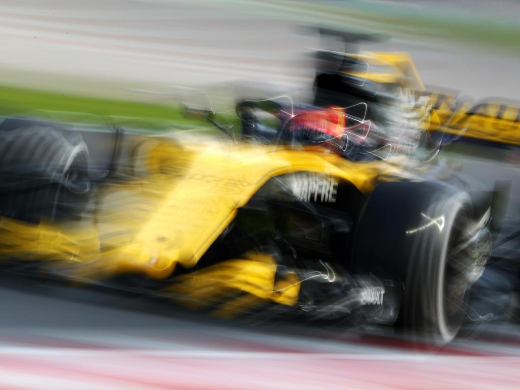 Das Renault-Werksteam bekam Unterstützung von der Konkurrenz
