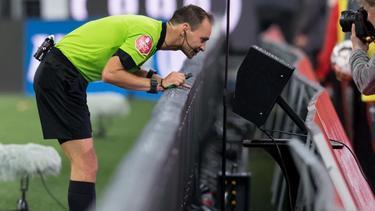 Die Klubs der 2. Bundesliga entscheiden, ob der Videobeweis zur neuen Saison eingeführt werden soll