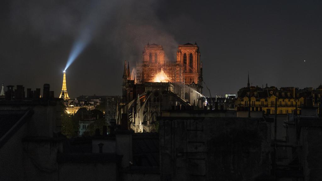 Die Kathedrale Notre-Dame de Paris ist abgebrannt