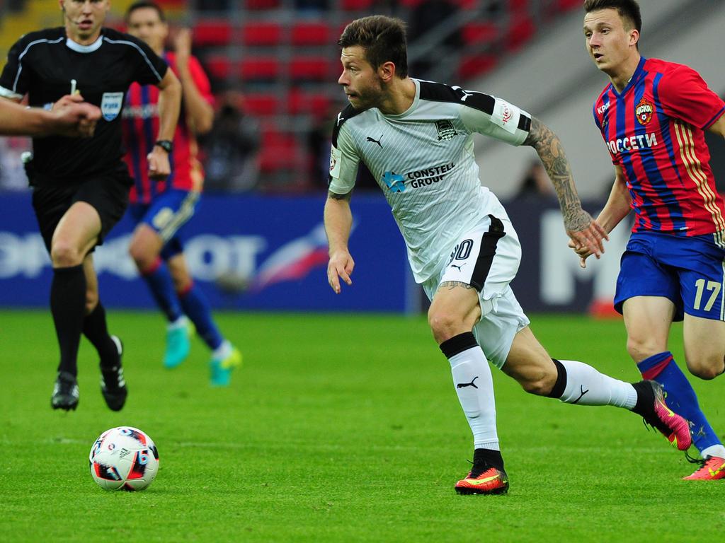 Hat Dortmund mit Fedor Smolov (l.) schon einen Aubameyang-Ersatz an der Angel?