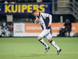 Kristoffer Peterson maakt tegen PSV zijn eerste minuten voor Heracles Almelo. (28-01-2017)