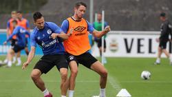 Steven Skrzybski (l.) und Mark Uth könnten den FC Schalke 04 bald verlassen