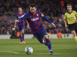Messi anotó en el área tras taconazo de Vidal.