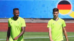 JérômeBoateng und Julian Weigl kennen sich aus der Nationalmannschaft