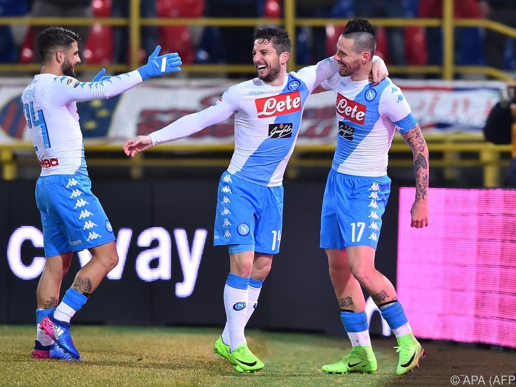 Serie A » Noticias » Fiesta de tripletes en goleada del Nápoles (1-7) 94a75f30d741c