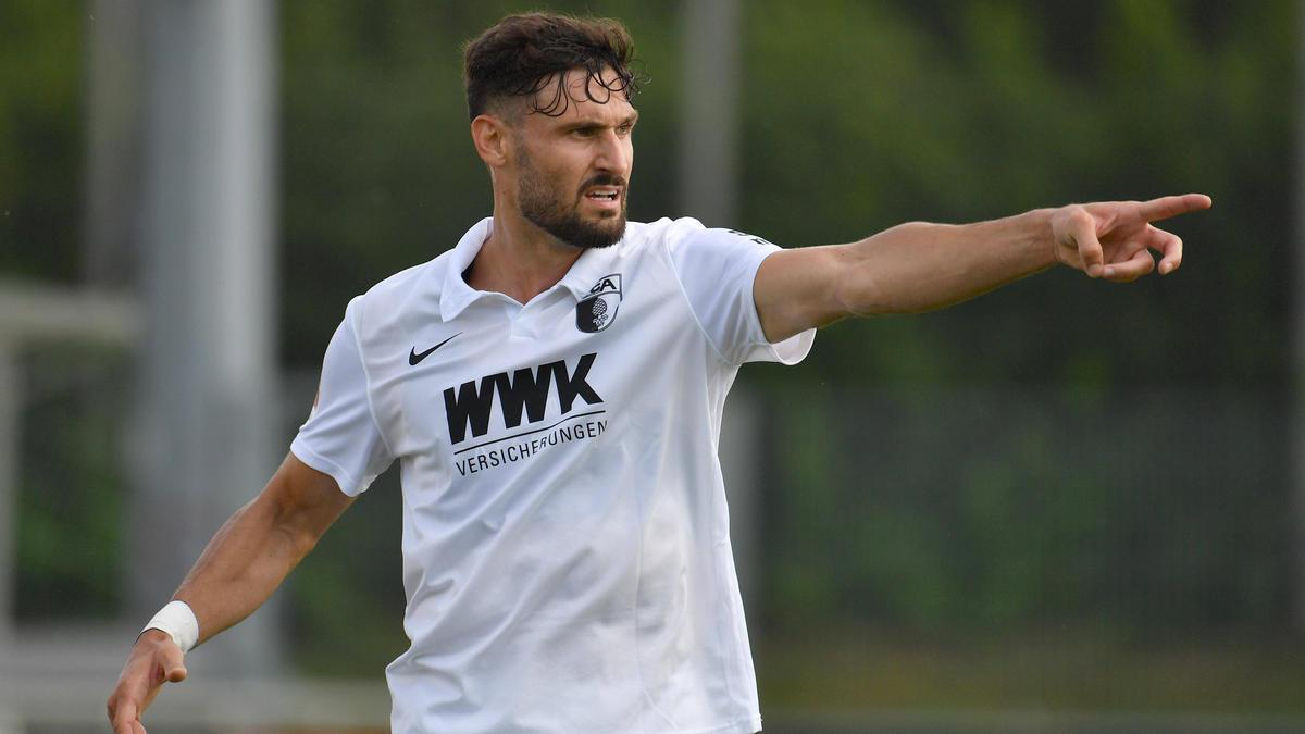 Daniel Caligiuri hat für drei Jahre in Augsburg unterschrieben