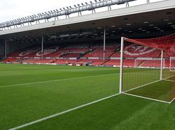 Der Main Stand von Liverpools Stadion an der Anfield Road wird aufgestockt