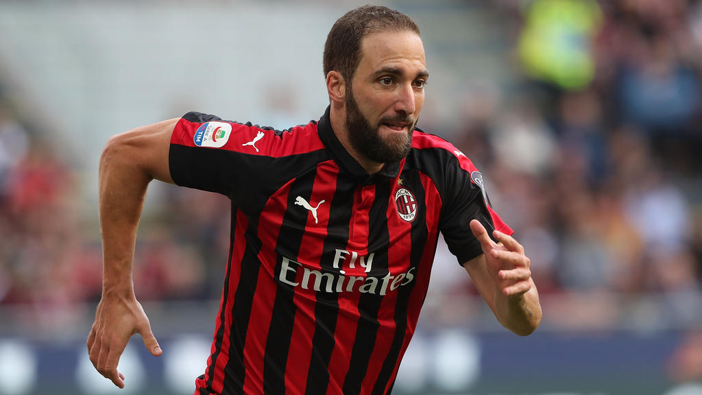 Gonzalo Higuaín wechselst angeblich in die Premier League