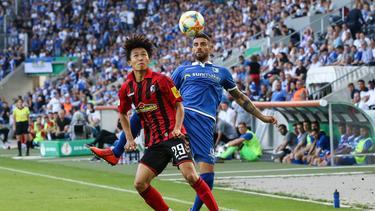 Jeong (l.) wechselt vom SC Freiburg zum FC Bayern München