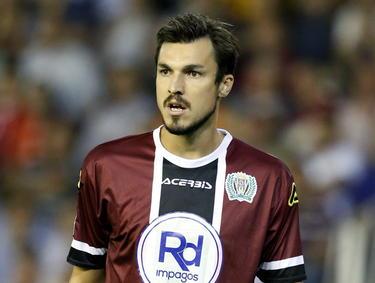Mike Havenaar in het shirt van zijn nieuwe werkgever Córdoba. Hier in de competitiewedstrijd tegen Valencia. (25-09-2014)