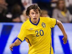 Simon Thern tijdens een wedstrijd van het Zweedse nationale elftal. (27-03-12)