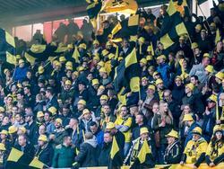 Het uitvak van Het Kasteel is goed gevuld tijdens de wedstrijd tussen Sparta Rotterdam en NAC Breda. (01-04-2016)