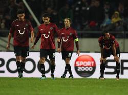 Pinto,Lala,Cherundolo während des Euro-League-Spiels gegen Kopenhagen
