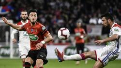 Ramy Bensebaini (l.) erzielte den Siegtreffer für Rennes