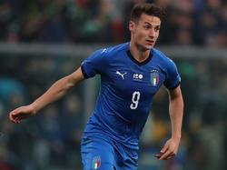 Andrea Pinamonti con la camiseta de Italia Sub-20. (Foto: Getty)