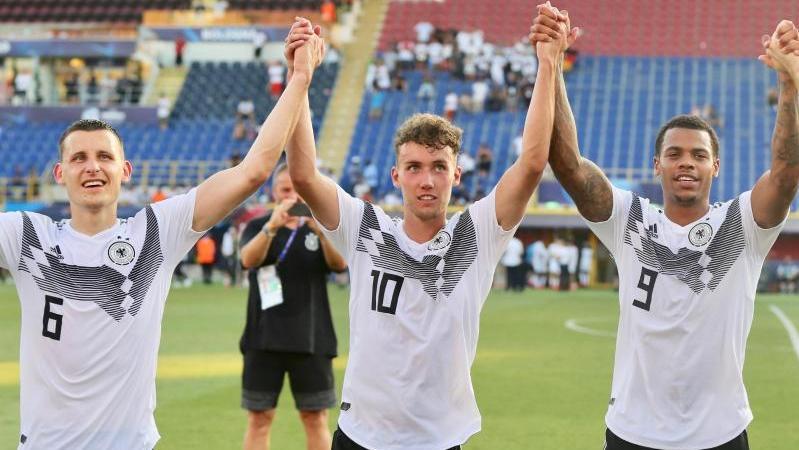 Luca Waldschmidt (M.) sorgt beid er U21-EM für Furore