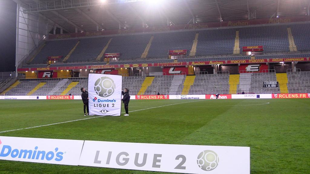 首先两位法国球员测试正面为冠状病毒