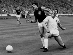 Im Finale des Europapokals des Landesmeister 1965 warf sich unter anderem Otto Luttrop (r.) in die Schlacht