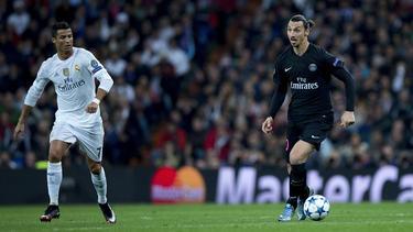 Zlatan Ibrahimovic (r.) lästert über Cristiano Ronaldo