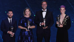 Lionel Messi (l.) gewann bei den seit 2017 existierenden FIFA Awards