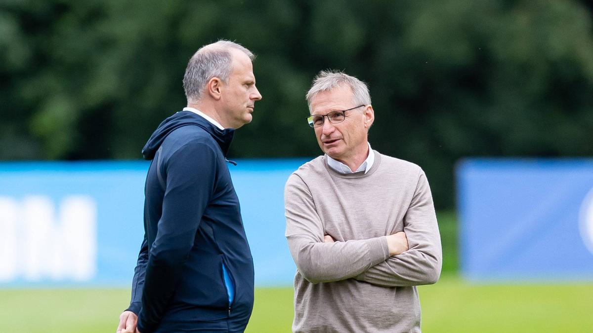 Gingen getrennte Wege: Jochen Schneider, Sportvorstand des FC Schalke 04, und Michael Reschke, bis zuletzt Technischer Direktor