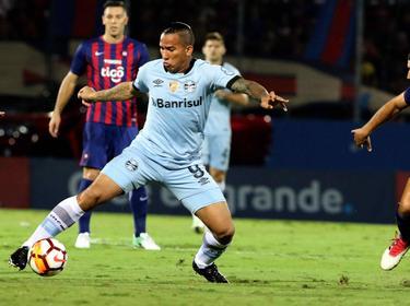 Gremio no pudo pasar del empate en Paraguay. (Foto: Imago)