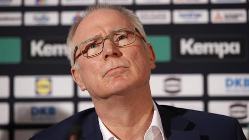 Uwe Schwenker sieht noch größere Probleme auf die Klubs zukommen