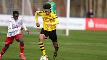 Nnamdi Collins (r.) zählt zu den großen Talenten des BVB