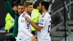 Gündogan (re.) nimmt Timo Werner in Schutz