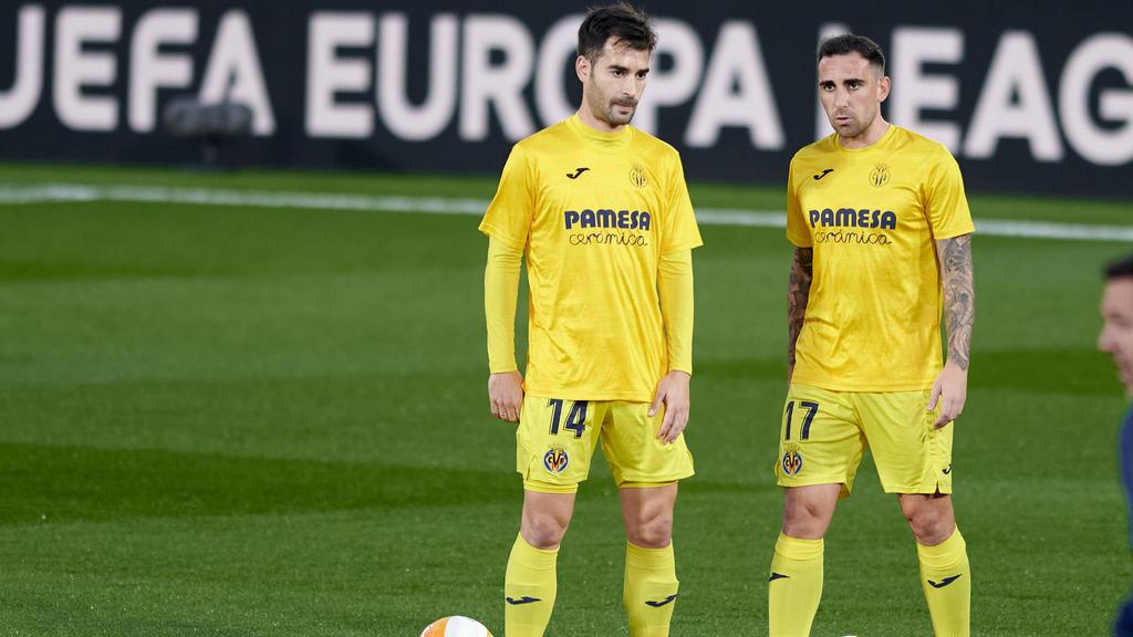 Ex-BVB-Torjäger Paco Alcácer (r.) greift mit Villarreal nach dem Europa-League-Pokal