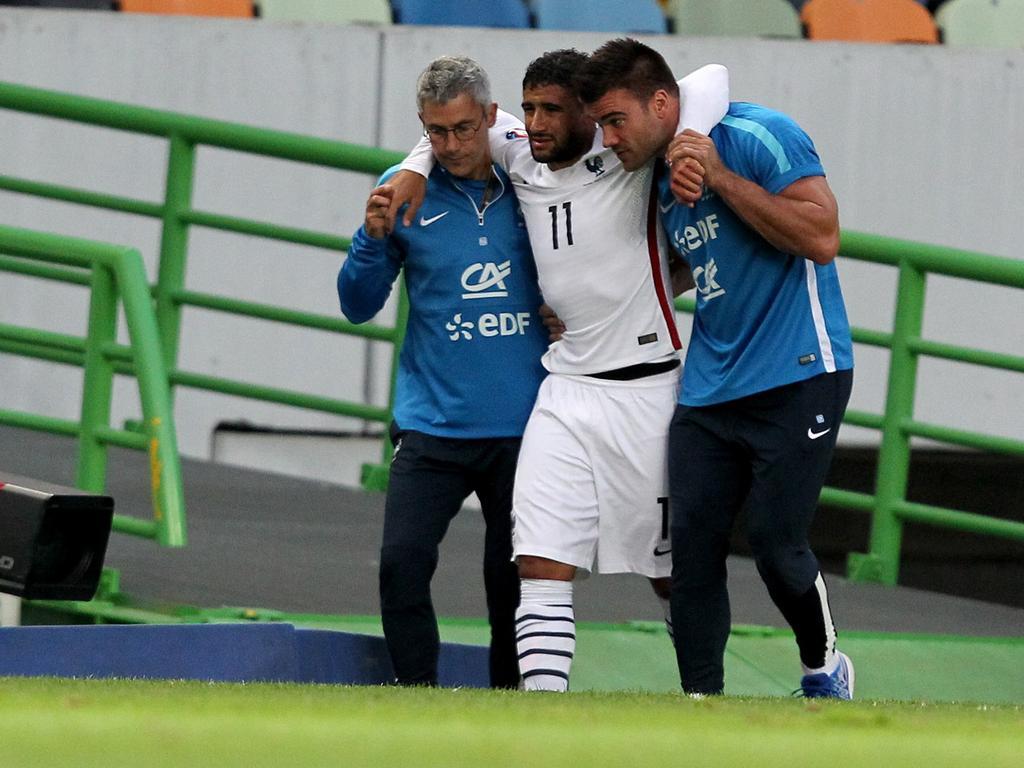 نتيجة بحث الصور عن Fekir injury with france 2015
