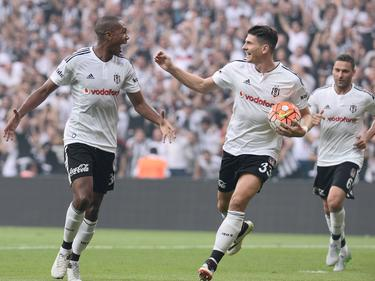 Marcelo und Mario Gomez (M.) erzielten die drei Tore beim 3:1 gegen Osmanlıspor
