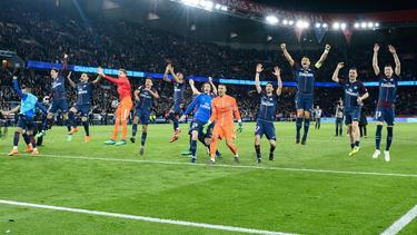 El PSG celebra su título de liga, conseguido con goleada. (Foto: Imago)