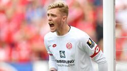 Der Mainzer Torwart Florian Müller fällt vorerst mit einer Innenbandverletzung aus