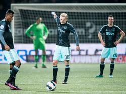 Donny van de Beek (m.) baalt flink na een tegendoelpunt van Ajax in de KNVB beker tegen SC Cambuur. (15-12-2016)