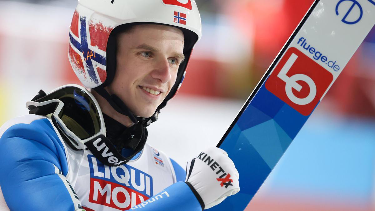 Halvor Egner Granerud steht als Gewinner des Skisprung-Gesamtweltcups fest