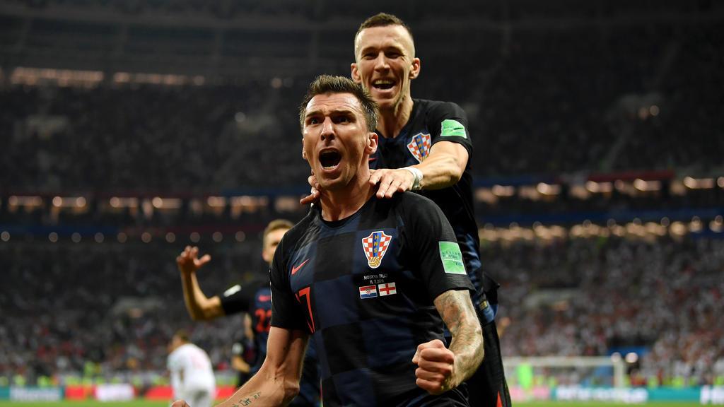Mario Manzukic (v.) schoss Kroatien in der Verlängerung zum Sieg gegen England