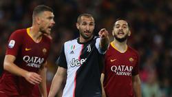 Juve-Star Chiellini (M.) präsentierte in Rom das neue Trikot