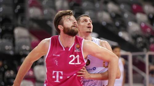 Die Telekom Baskets Bonn haben in der Vorrunde des BBL-Pokals gegen die Basketball Löwen Braunschweig ihren zweiten Sieg gefeiert