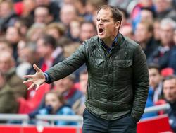 Frank de Boer wil dat zijn Ajax meer naar voren speelt in het duel met Excelsior. (21-02-2016)