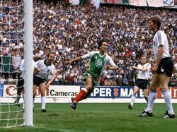 WM 1982: Madjer bringt Algerien in Führung
