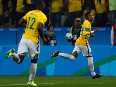 Neymar celebra su gol que abrió el marcador contra Colombia. (Foto: Getty)