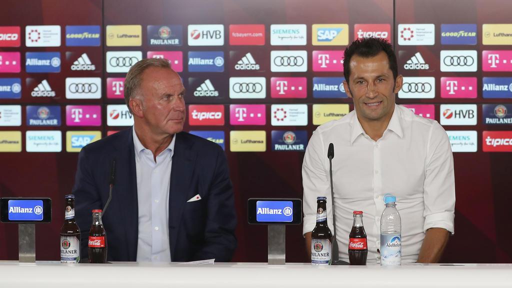 Hasan Salihamidzic (re.) soll beim FC Bayern München mehr in Erscheinung treten