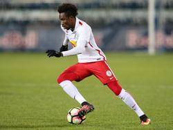 Samuel Tetteh bleibt langfristig im RB-Fußballbetrieb