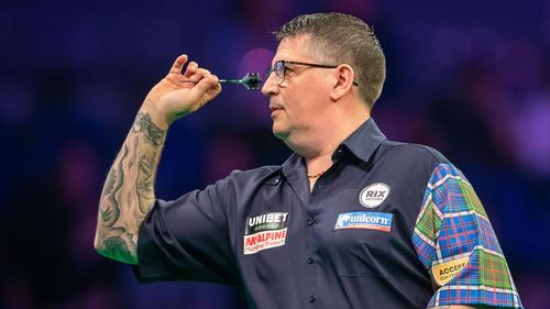 Anderson steht im Achtelfinale des Grand Slam of Darts