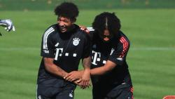 Chris Richards (l.) und Joshua Zirkzee haben den FC Bayern vorerst verlassen