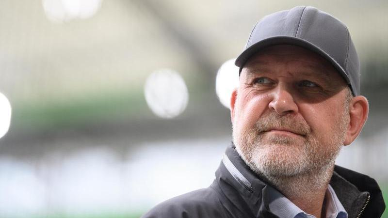 Jörg Schmadtke hofft auf einen Besuch des Bundestrainers in Wolfsburg