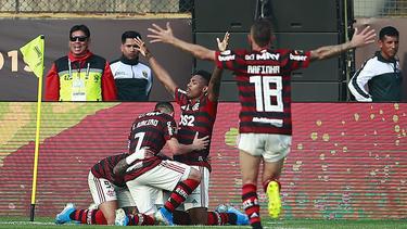 Flamengo hat sich in einer irren Partie durchgesetzt