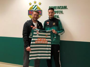 Rapid-Sportdirektor Zoran Barišić mit Neuzugang Ercan Kara